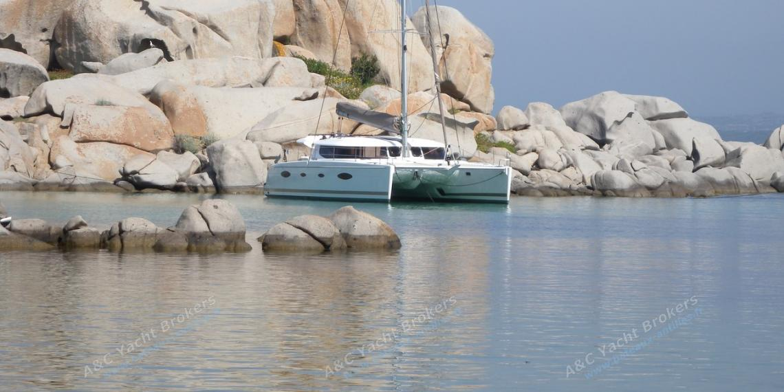 Salina 48 Evolution : At anchorage